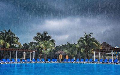 ¿Sabías que el agua de la lluvia afecta a tu piscina?