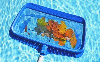 Cómo limpiar la lona de piscina este verano.